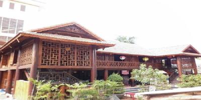 Mẫu nhà sàn gỗ nghiến - Sự lựa chọn hàng đầu của giới Đại gia